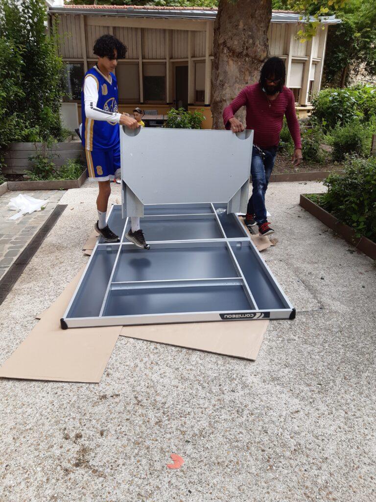 Une table de ping pong pour MANIN